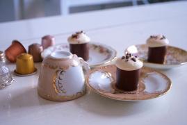 Lisa: croustillant lait, biscuit, ganache café, mousse guimauve
