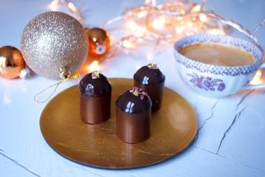 Gaspard: croustillant noir, biscuit, ganache chocolat noir poivre de Kampot mousse chocolat